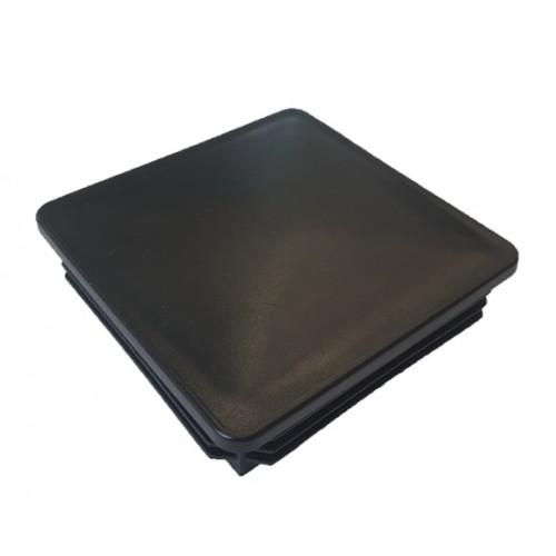 Kepurėlė stulpui, juoda, įkalama 80 x 80 mm